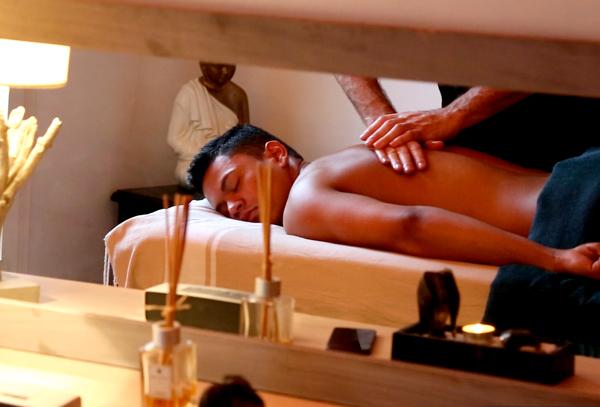 masseur pro massage paris 75018 informations g n rales avis contacts horaires. Black Bedroom Furniture Sets. Home Design Ideas